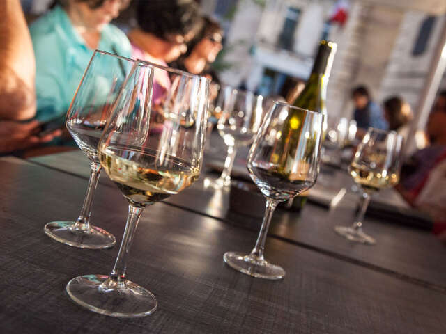 Tours to France Designed for Wine Lovers and Foodies