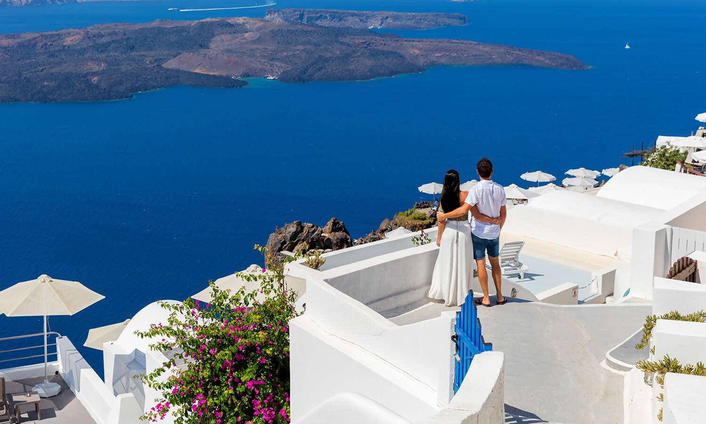Exploring Athens, Mykonos and Santorini