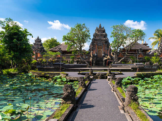 Highlights of Bali featuring Yoga and Relaxation