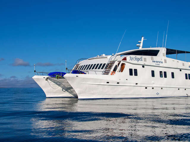 CRUISING THE GALAPAGOS ISLANDS-Catamaran Archipell I & II