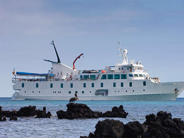 CRUISING THE GALAPAGOS ISLANDS-YACHT ISABELLA II