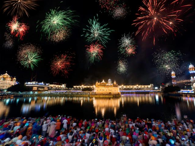 A Dozen Reasons to Visit India During Diwali
