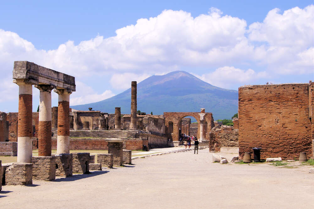 5 things you need to know about Pompeii