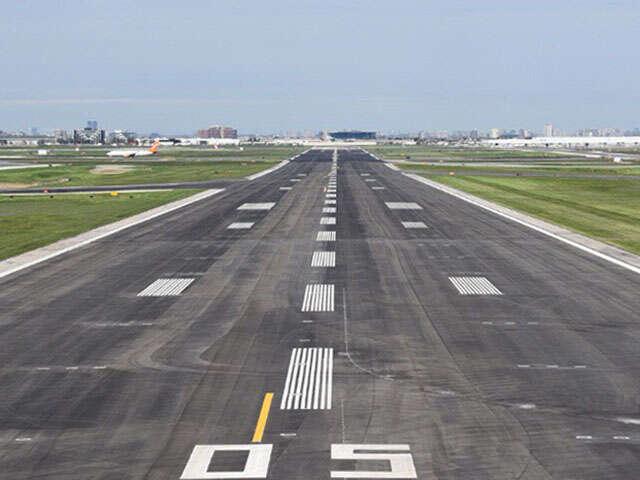 Toronto Pearson returns to regular operation - Runway construction complete