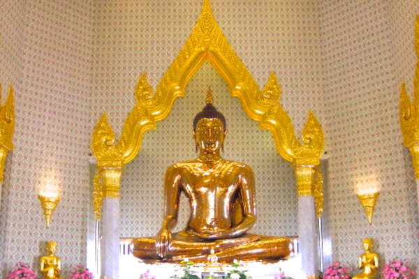 Face to Face with the World's Largest Solid Gold Buddha