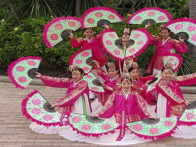 Korean-fan-dance-P9276485-1024x768.jpg