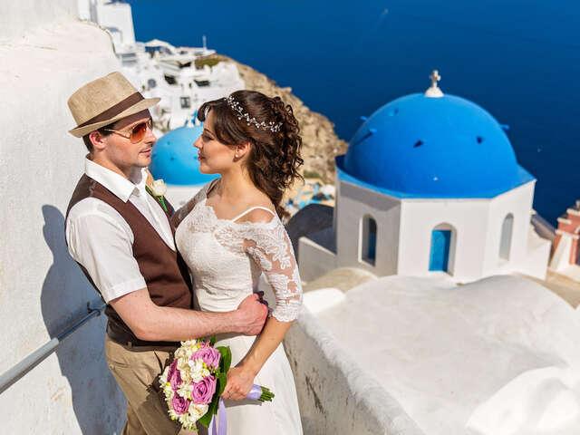 Greek Island Destination Wedding: Santorini