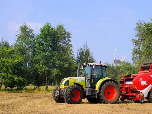 tractor-1538963_960_720.jpg