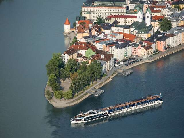 Celebrity Chef and Vintner Cruises