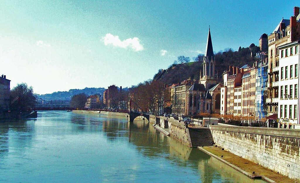 Boating holidays in Burgundy: Franche Comté