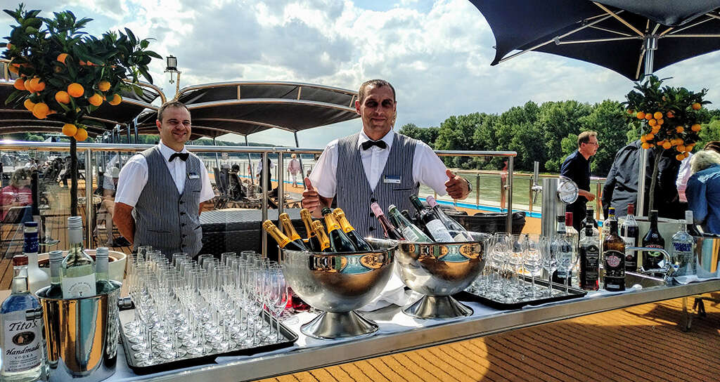 "AmaWaterways Christens AmaMagna: ""She's a Beauty!"""