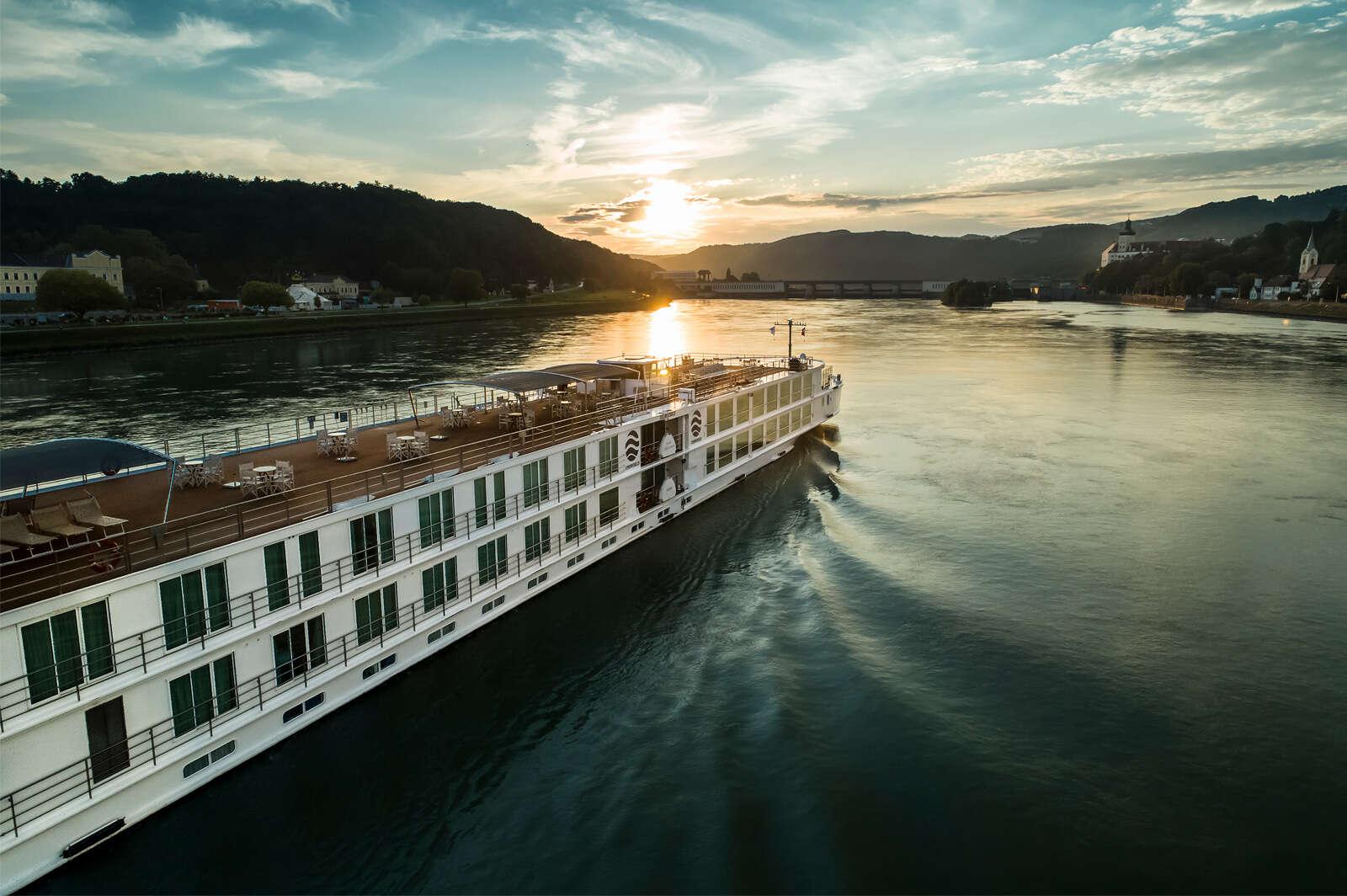 Uniworld - Exclusive Shipboard Credit!