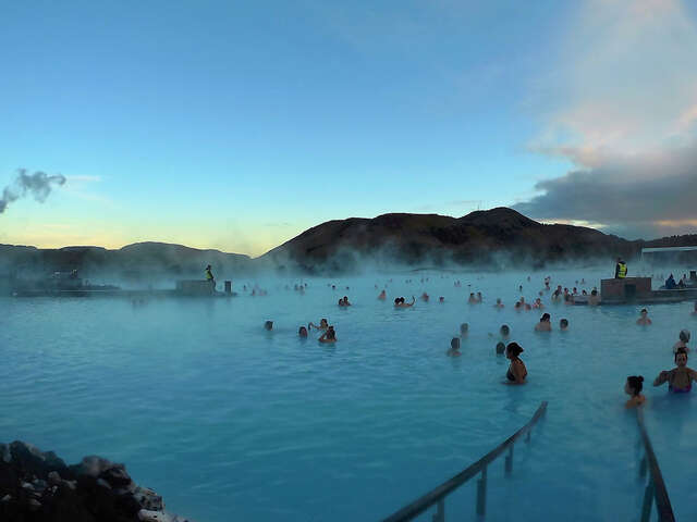 Collette - Save up to $600 Off Iceland's Magical Northern Lights