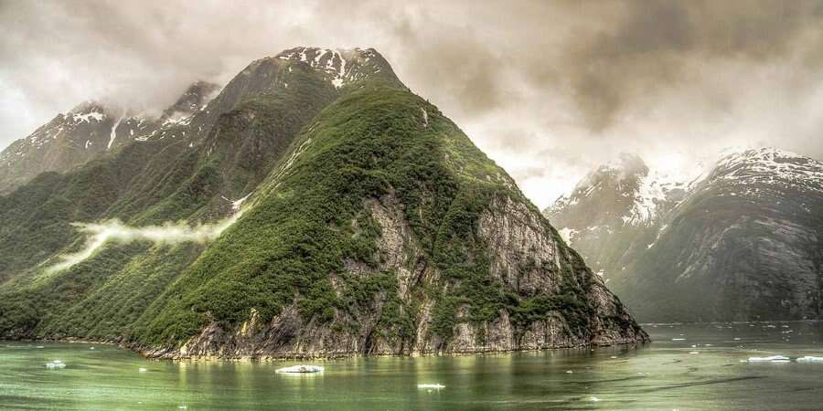 From Rainforests to Glaciers - Tracy Arm / Endicott Arm fjords - Full Day