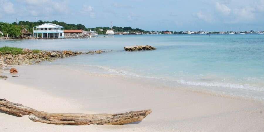 Small But Stunning Island Living - Isla de Utila, Honduras