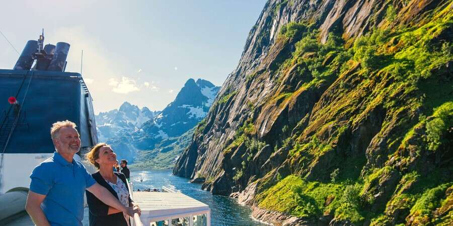 Lofoten, where nature amazes - Tromsø - Stamsund