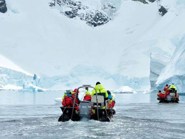 Chilean Fjords, Antarctica and Falklands - Great Explorers and Wildlife