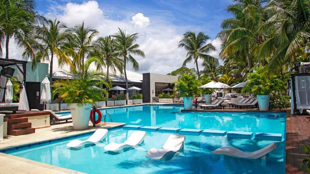 Oh Cancun The Urban Oasis pool