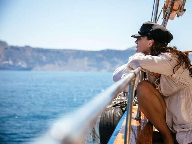 Spotlight on Greece plus 3 day Greek Island Cruise(Standard inside cabin without porthole,Start Athens, End Athens)