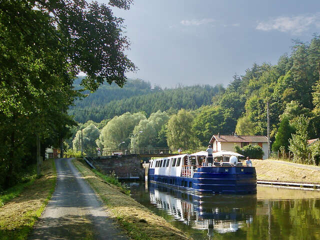 Burgundy River Cruise Adventure — Plus